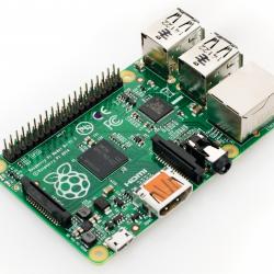 Raspberry Pi 2 Model B  (Quad Core CPU 900 MHz, 1 GB RAM, Linux)